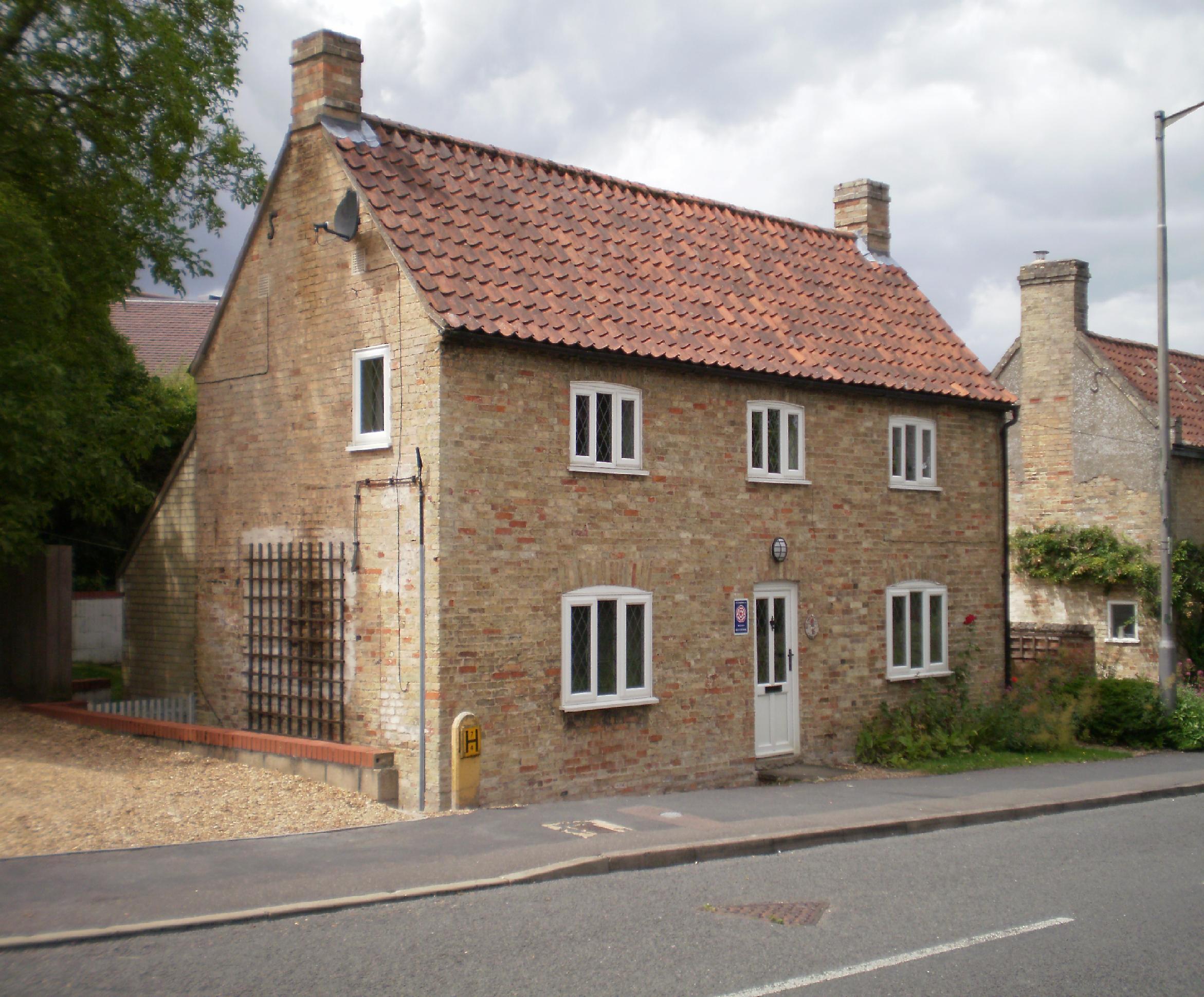 Garden cottage in the village of swaffham prior, cambridgeshire